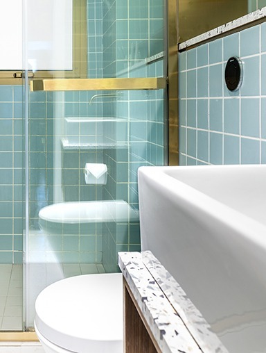 Modern, luxurious ensuite private bathrooms & toilets